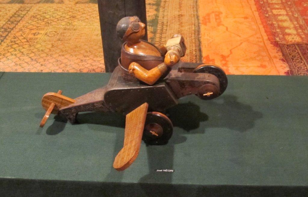 """""""La Fabuloserie""""  das größte private Museum für Außenseiterkunst  in Frankreich bei Auxerre!"""